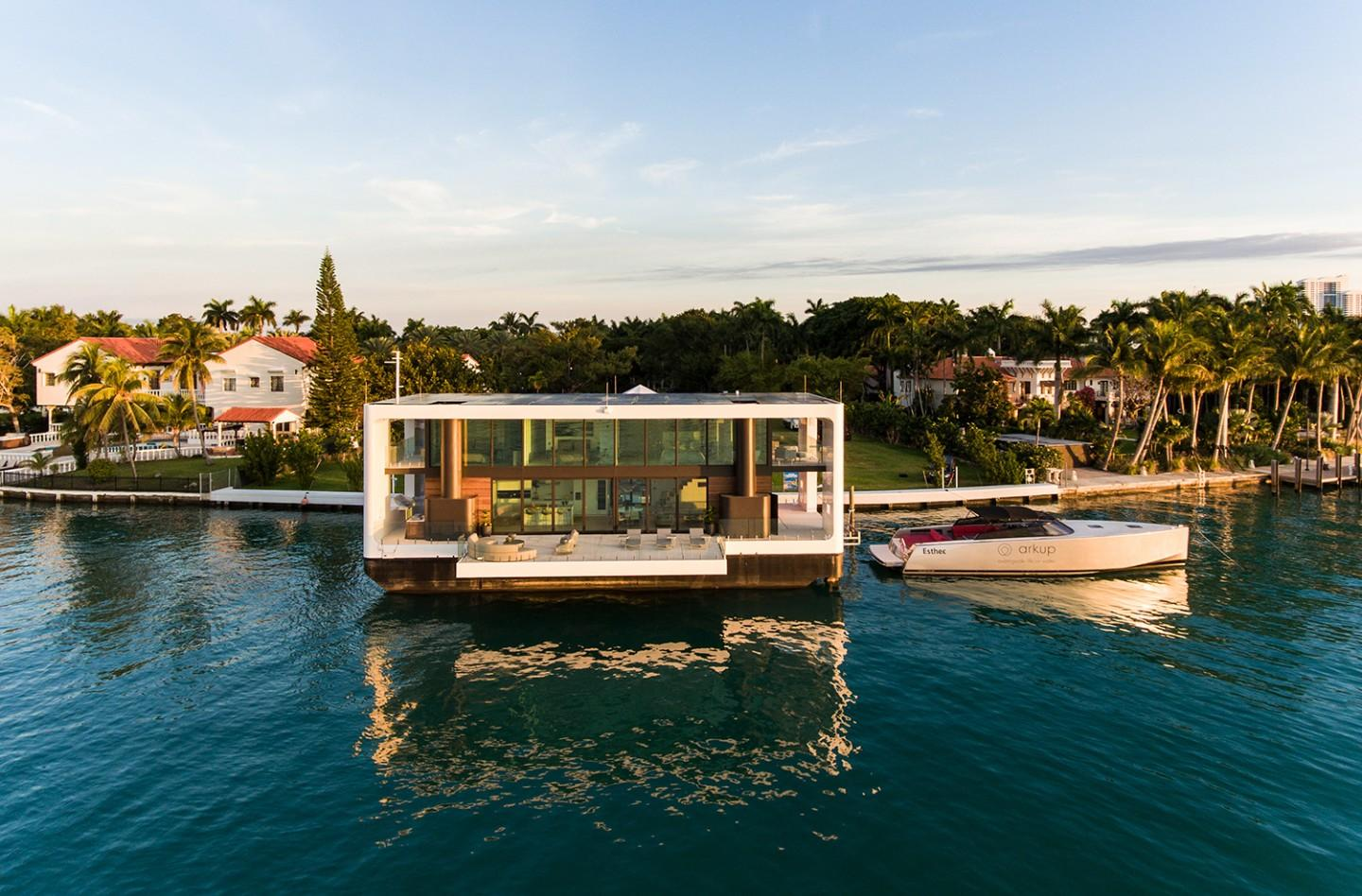 The Arkup #1 ultra-luxury two-story houseboat