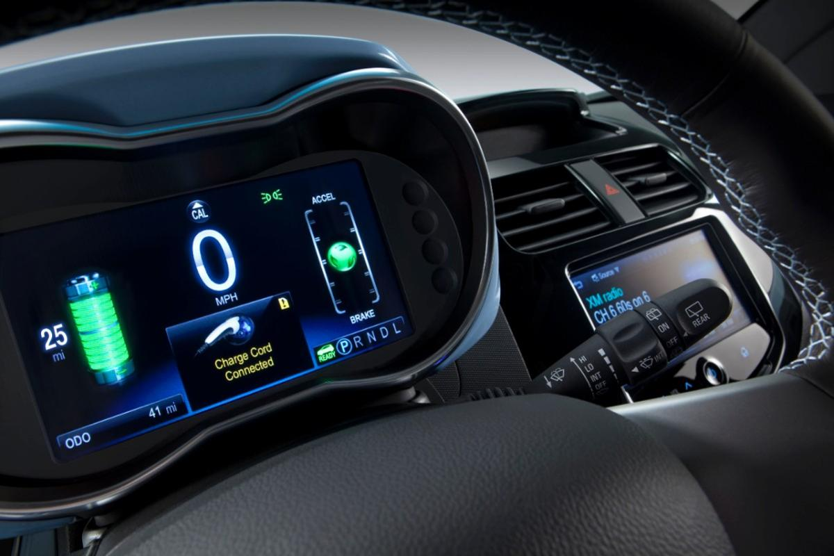 The Spark EV has two LCDs to give the driver all the info they need © General Motors