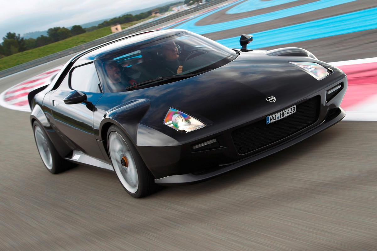 The all-new Stratos' is based on the Ferrari 430 Scuderia from which it borrows its chassis and 4.3-liter naturally-aspirated V8
