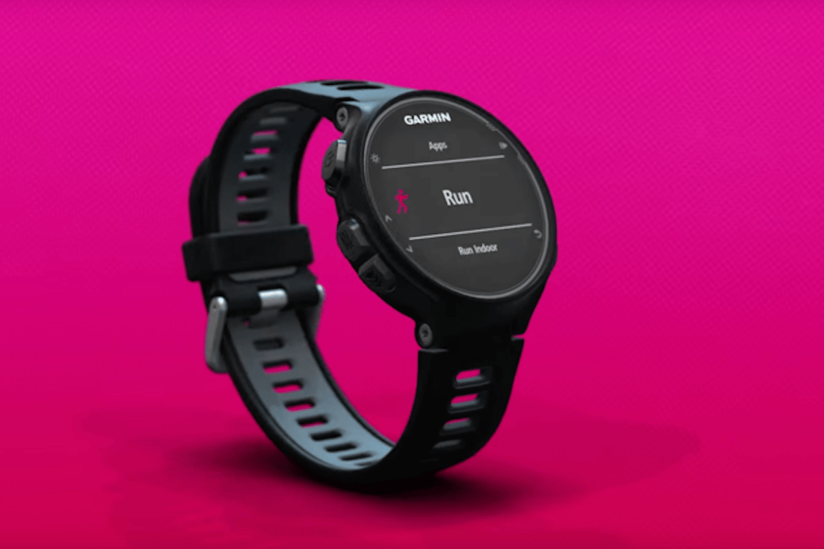 The Forerunner 735 XT is packed with smartwatch and fitness tracking features