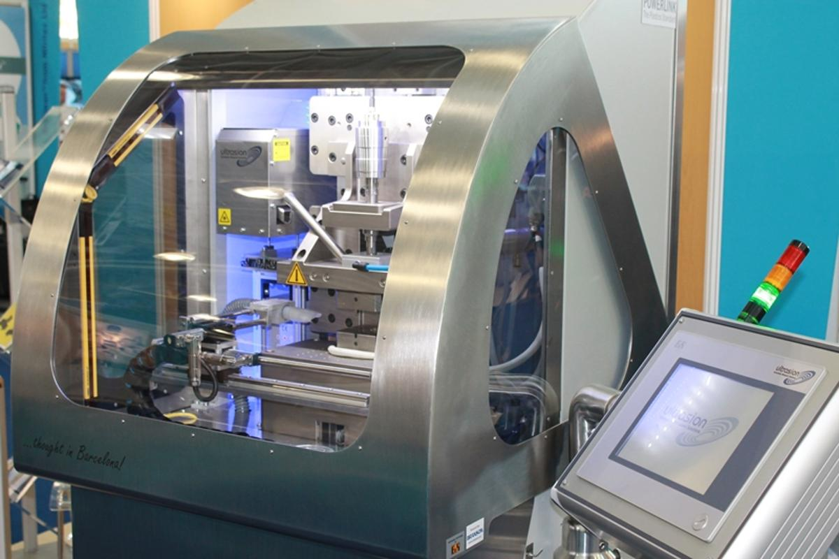 The Ultrasion Sonorous 1G is an ultrasonic molding machine