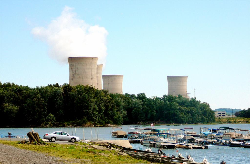 Thorium could provide a cleaner and more abundant alternative to uranium (Photo: Three Mile Island Nuclear Power Plant/ Lyndi & Jason via Flickr)