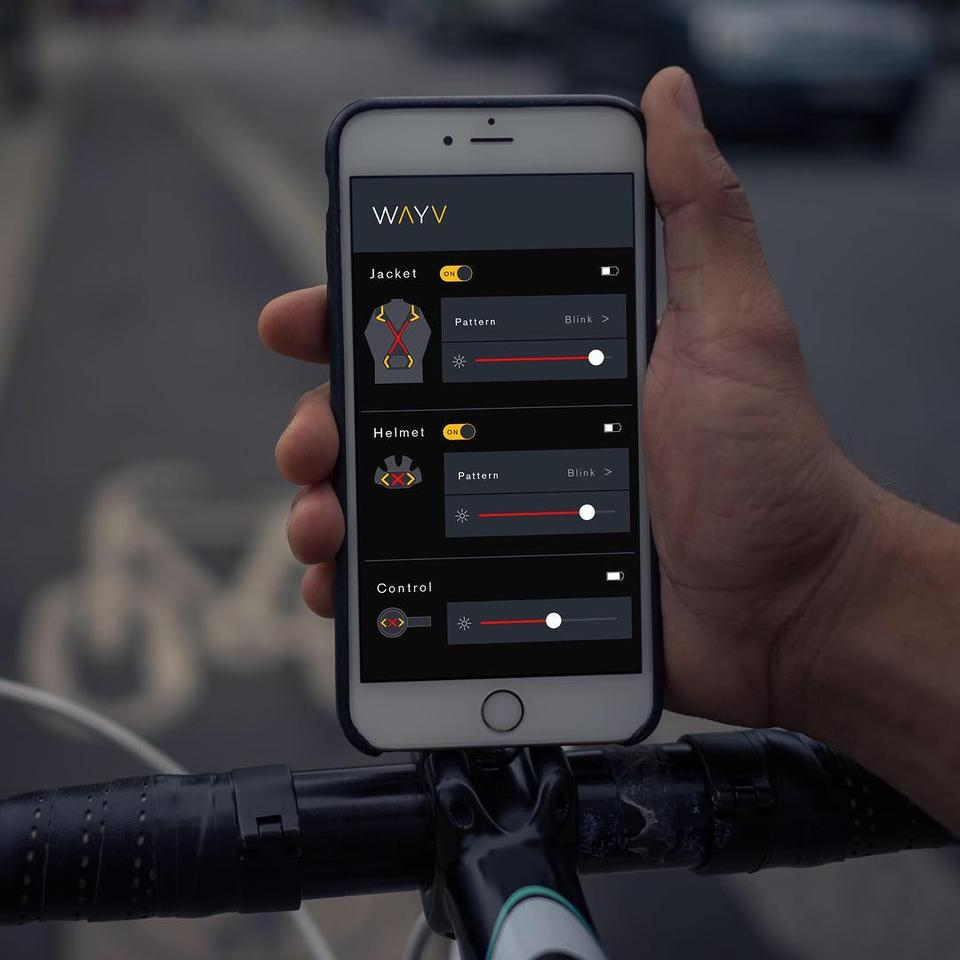 The Wayv app allows users to initially sync the system, plus it lets them turn the harness or helmet unit on or off, adjust their brightness, switch them between steady and flashing modes, and check their battery levels