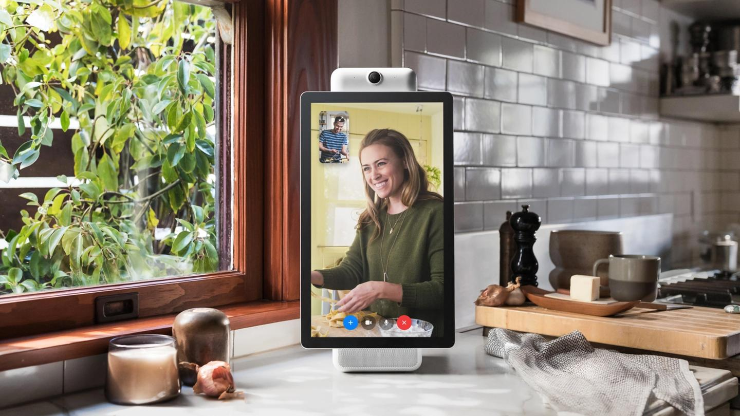 Facebook Portal brings Facebook Messenger to your kitchen table