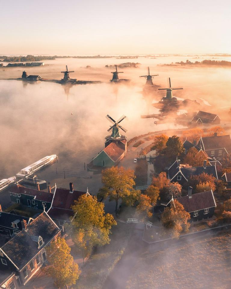 Winner. 'A Magic Morning in The Netherlands'. Zaanse Schans, Zaanstad, Netherlands