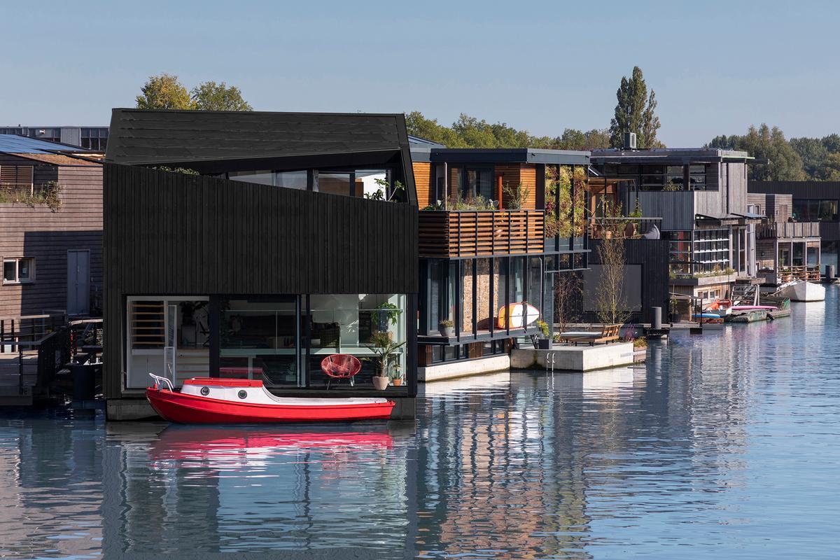 Dutch architectural studio i29 joins Schoonschip sustainable floating village in Amsterdam