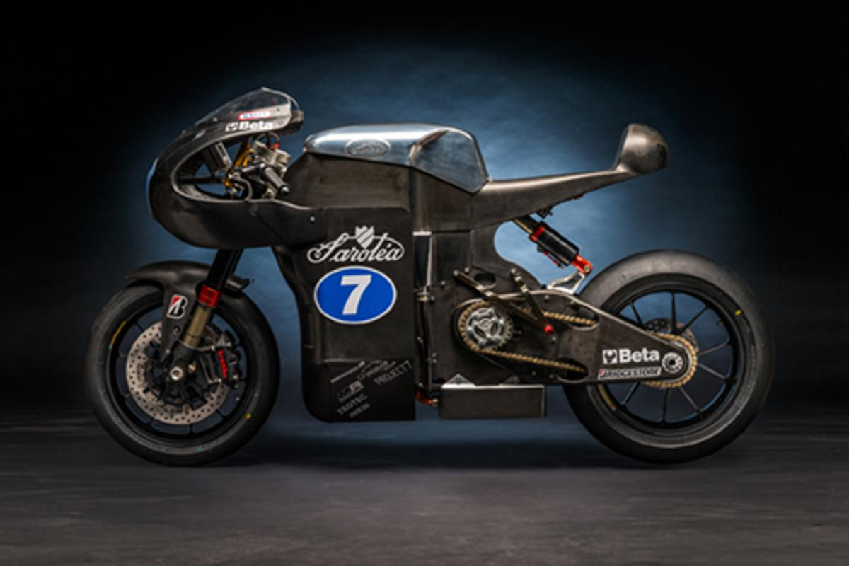 Sarole's gorgeous SP7 electric superbike, featuring enough carbon to raise the temperature in your trousers by two degrees celsius