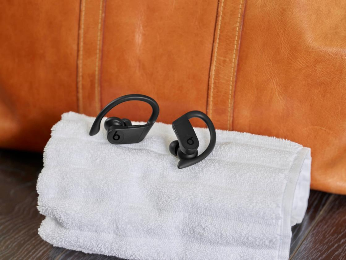 Beats has bounced into the world of truly wireless listening with its first set of truly cable-free earbuds