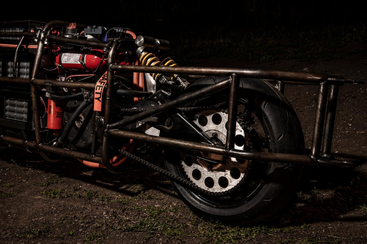 Rear wheel and twin shock suspension