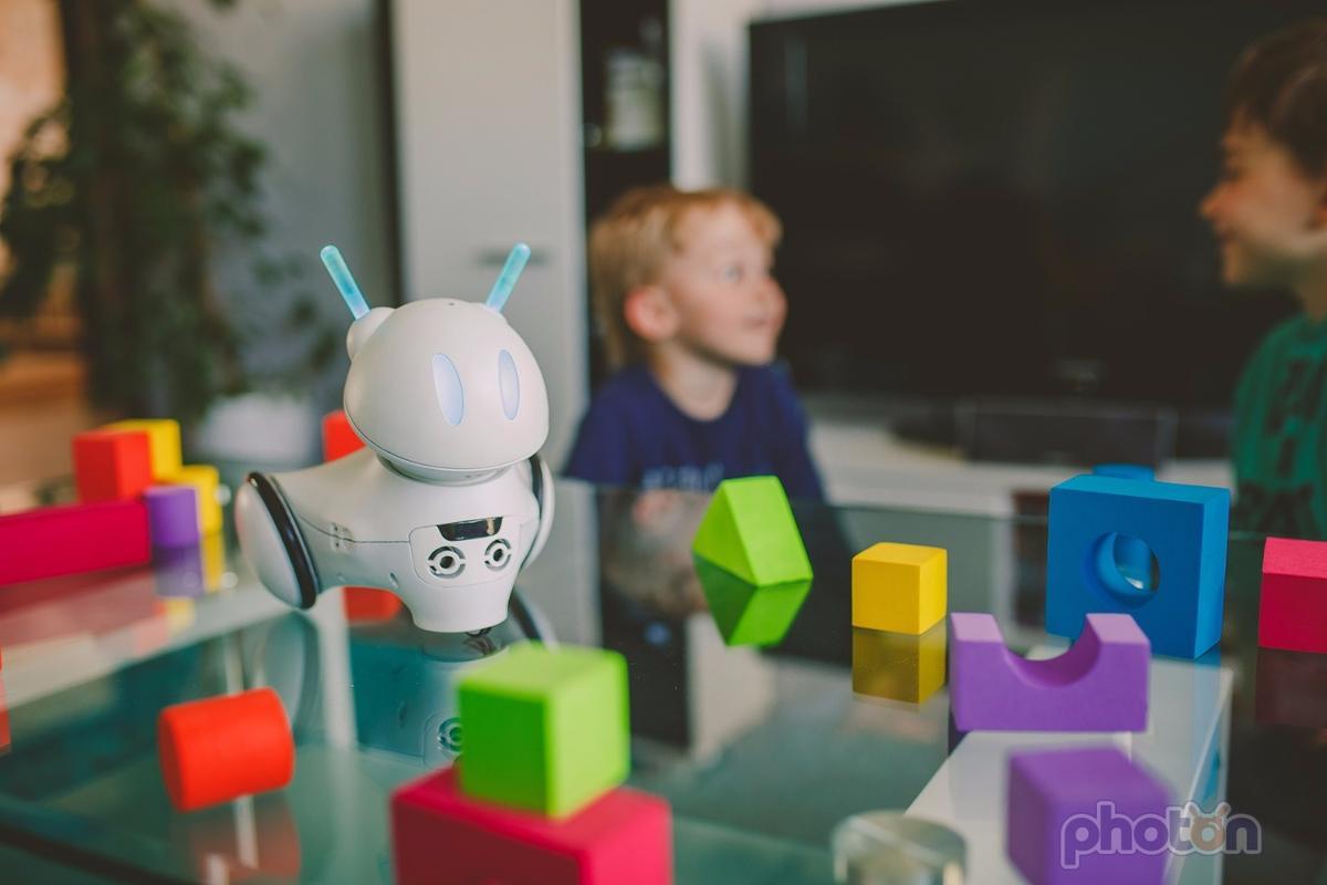 Photon is a toy robot designed to teach kids the increasingly-important skill of coding