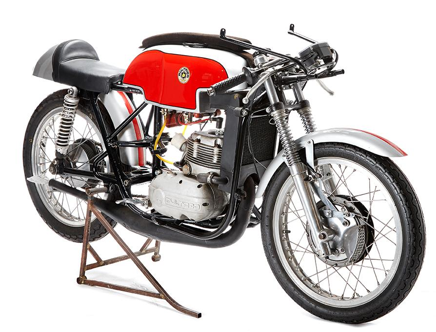 Taken to New Zealand from Europe in the mid 1960s, this 1965 Bultaco TSS 250 6 speed racer has been completely rebuilt but hasn't been raced in more than 40 years. Note the bike is pictured without a fairing but is sold with the fairing. Estimate: NZD$27,000 to $35,000 (US$17,000 - $22,000)