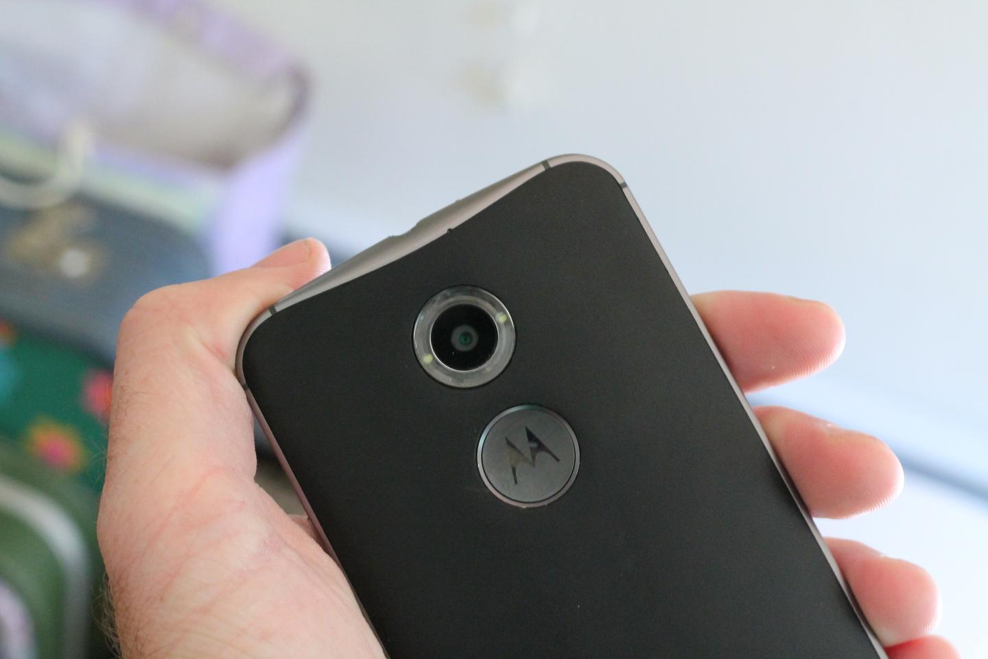 The upgraded Moto X camera has a nifty ring flash (Photo: Eric Mack/Gizmag.com)