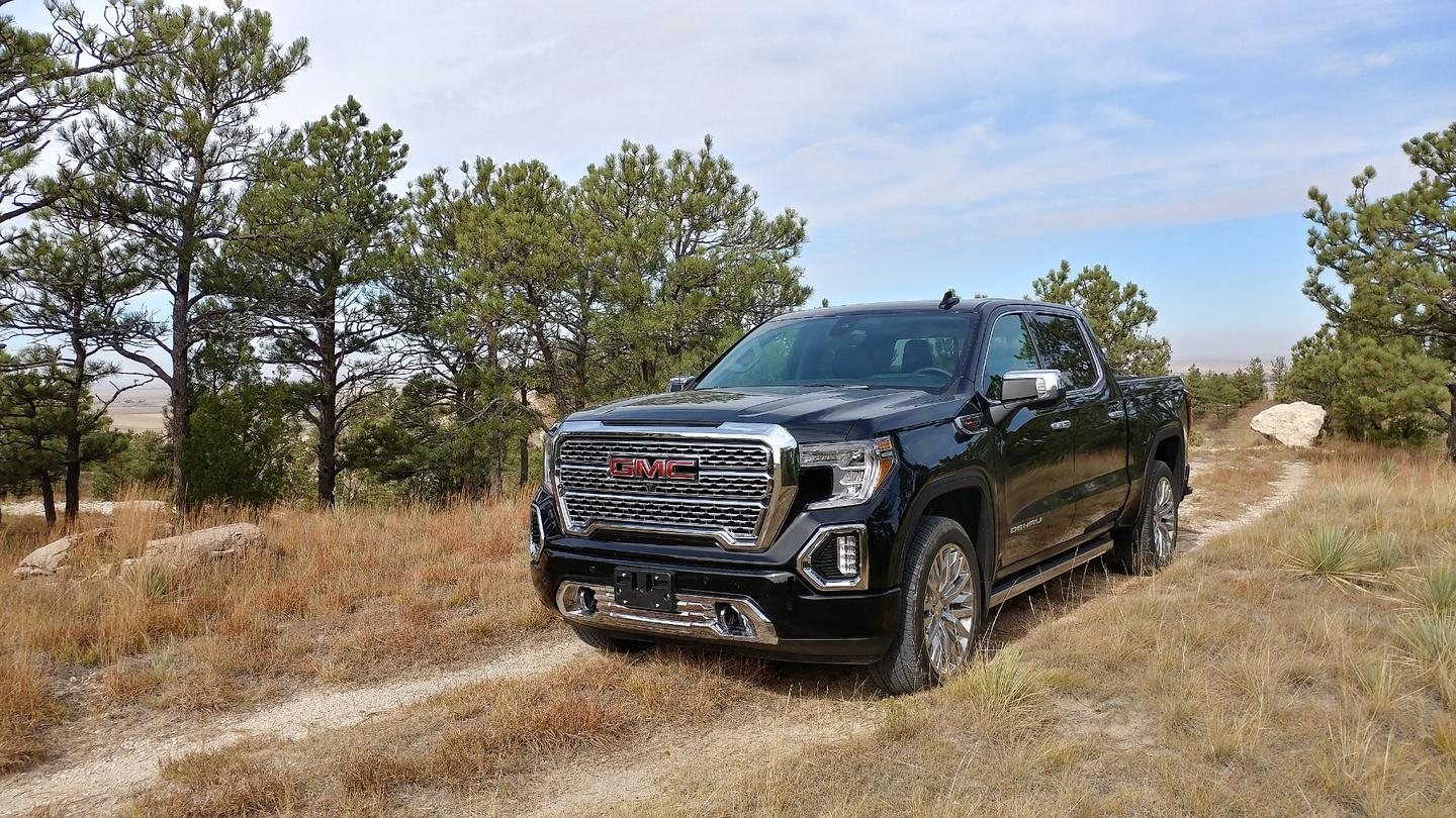 The work ethic of the GMC nameplate remains intact with this new truck, as does its expected upgrades to match the premium nameplate