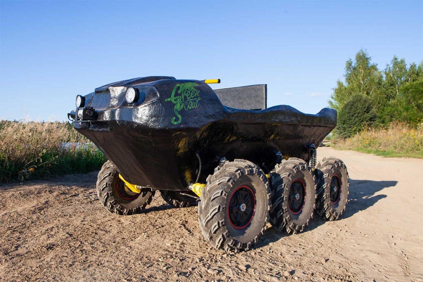 The Green Scout ATV is 3.1 m long, 1.8 m wide and 1.2 m high (10.2 by 5.9 by 3.9 ft)