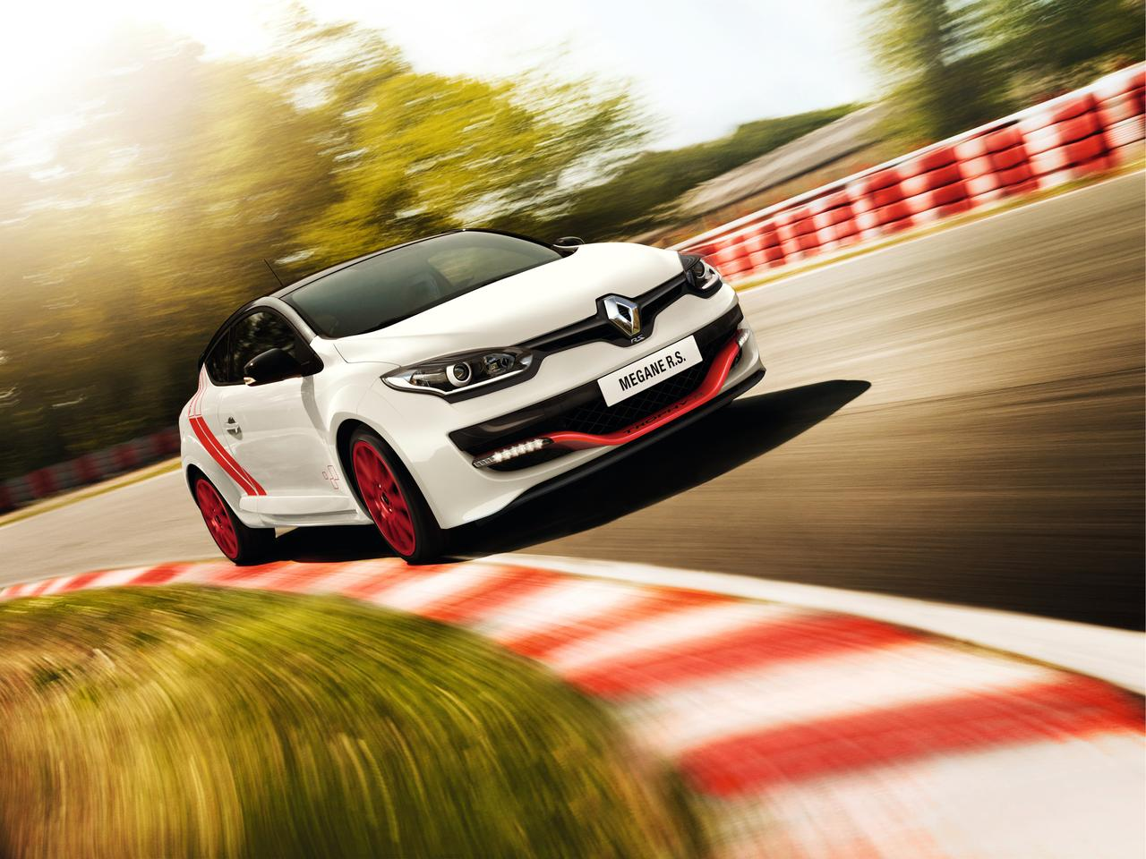 The Renault Megane R.S. 275 Trophy-R in action at the Nürburgring