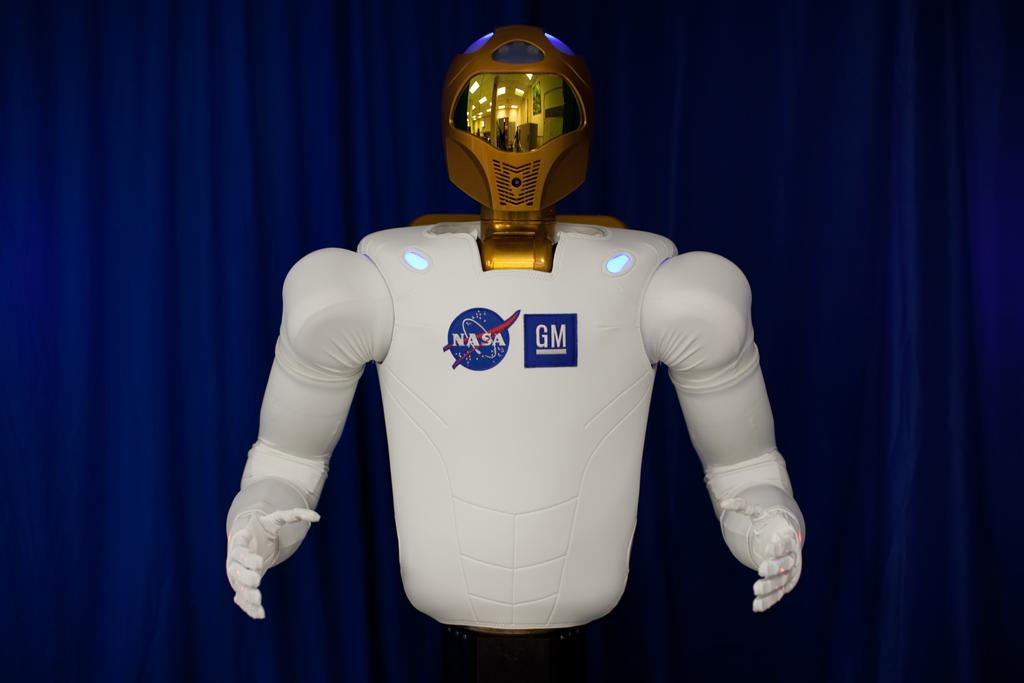 R2 consists of a head and a torso with two arms and two hands
