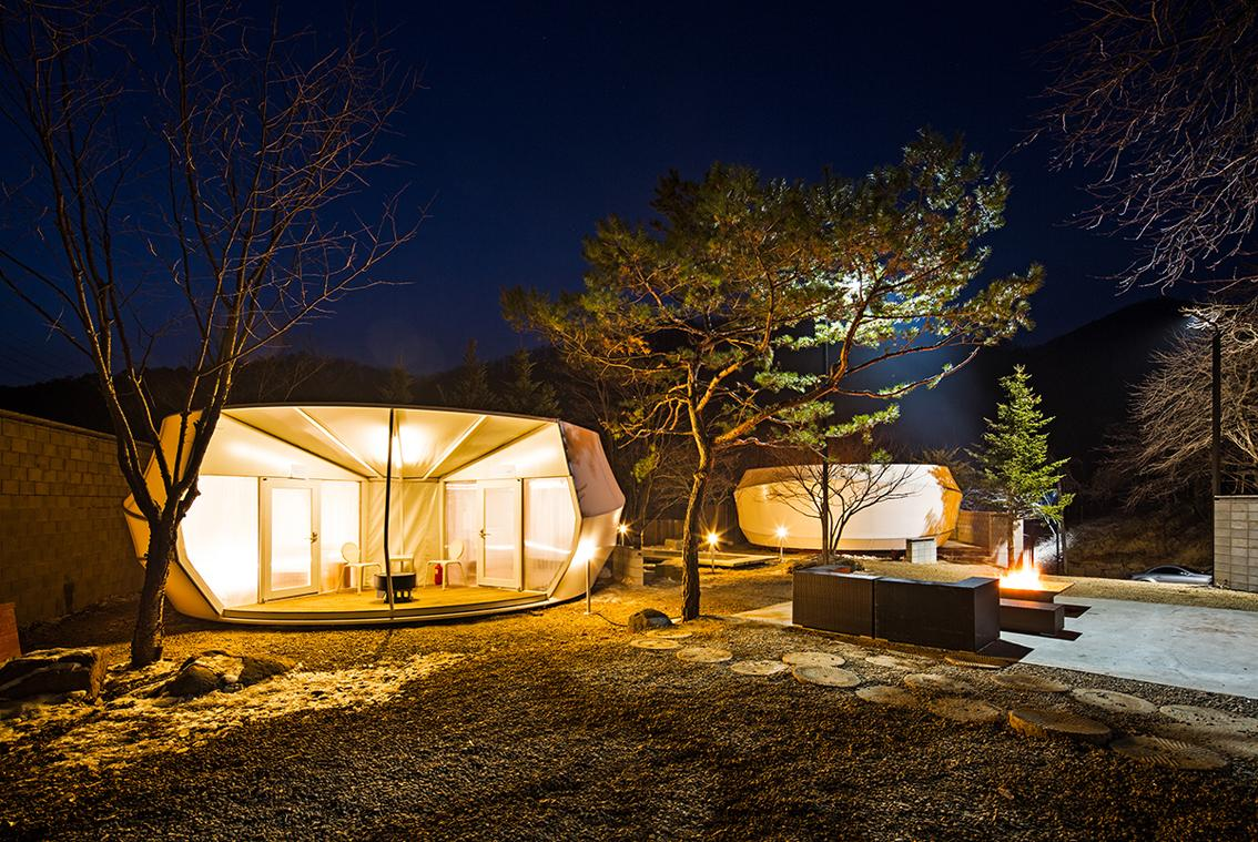 The five star luxury accommodation modules are somewhat of a hybrid between a tent and a cabin (Photo: June Young Lim)