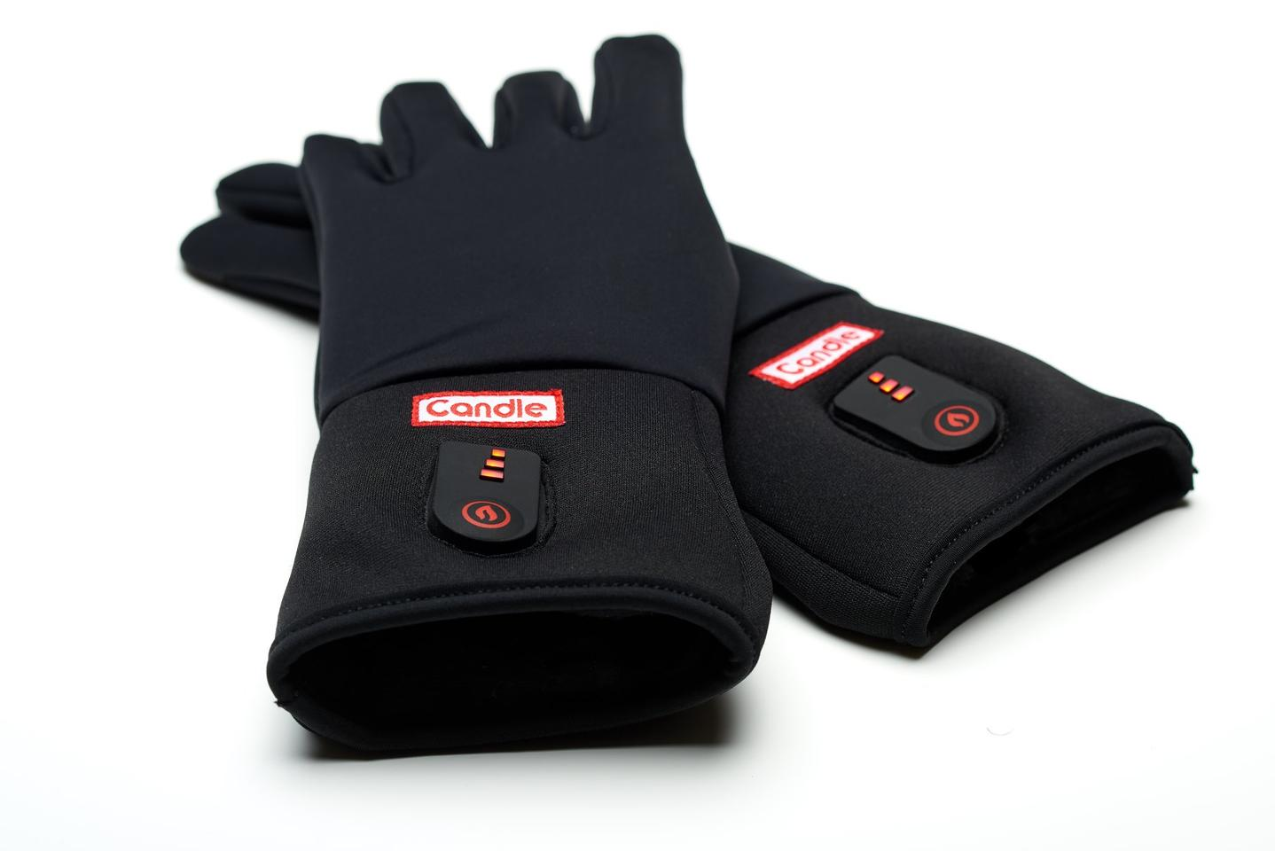 Candle gloves are presently being crowdfunded on Indiegogo