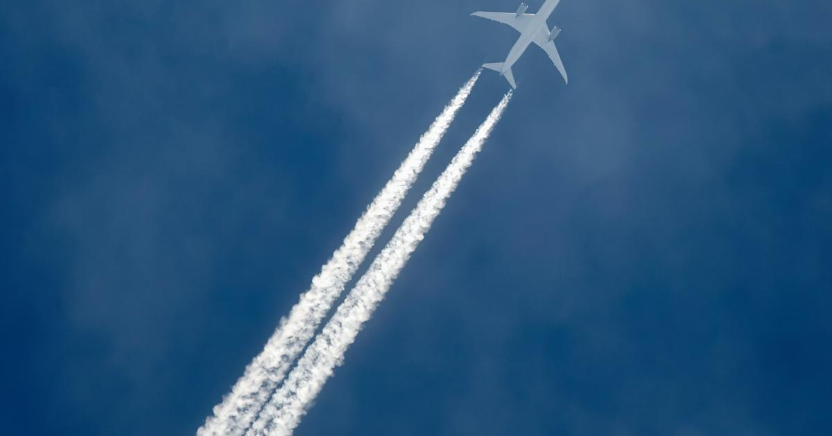 Simple contrail-curtailing measures may help reduce climate change