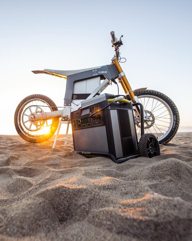 The Kalk AP electric motorcycle will be shipped to the Southern African Wildlife College with solar panels and a charging station from Goal Zero