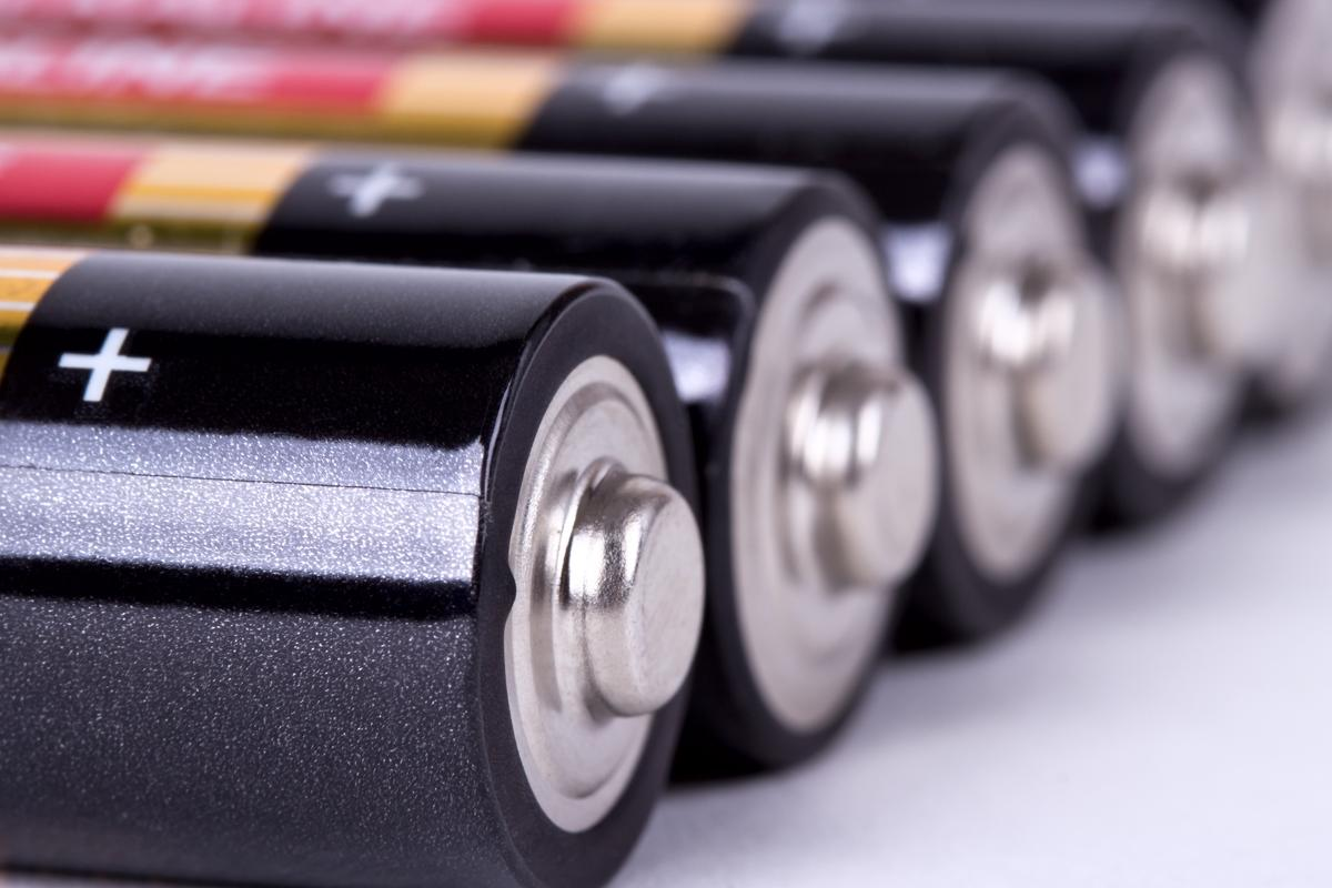 Scientists have used etched silicon nanoparticles in the anode of a next-generation lithium-ion battery (Photo: Shutterstock)