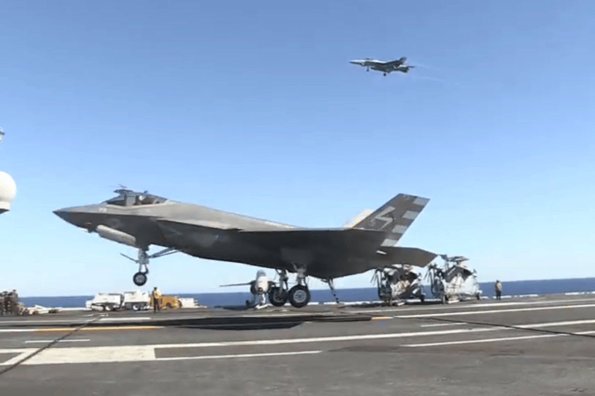 The F-35C making its first carrier landing (Image: US Navy)