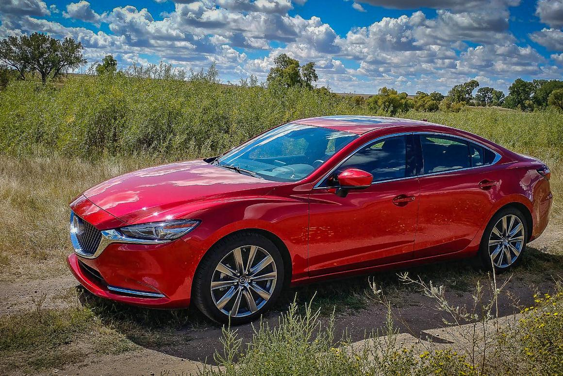Mazda has added a turbocharged option and amuch-improvedinteriorto the 2018 Mazda6 to make what was already anexcellent vehicleeven better