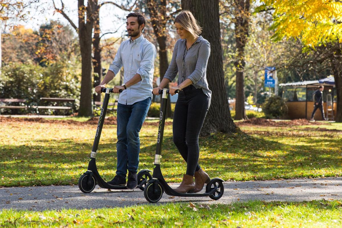 Groover is currently raising production funds on Kickstarter for its novel electric kick scooter