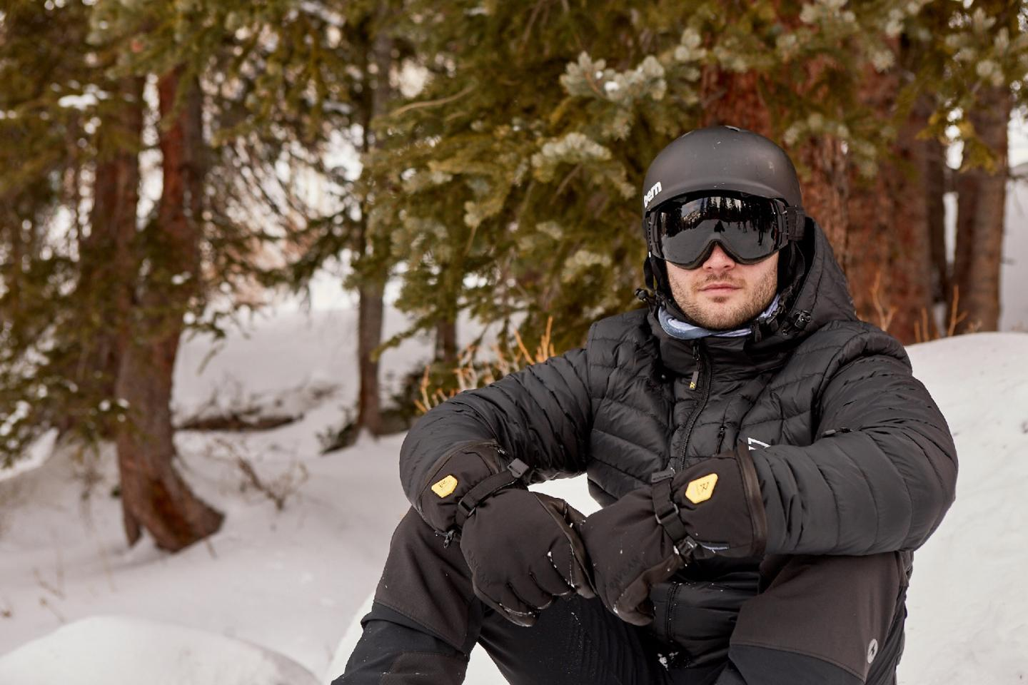 The glove or mitten can be battery-warmed for up to 6.5 hours