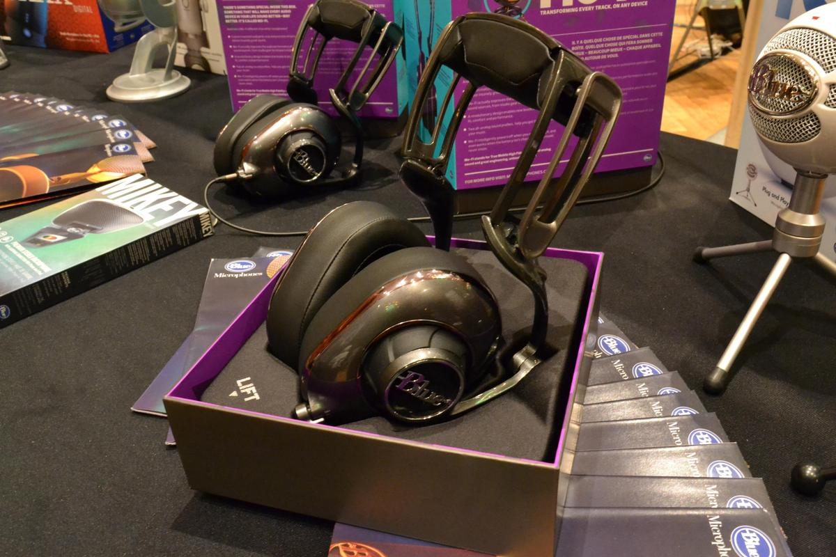 Gizmag gets a first listen of the Mo-Fi headphones from Blue Microphones (Photo: Paul Ridden/Gizmag)