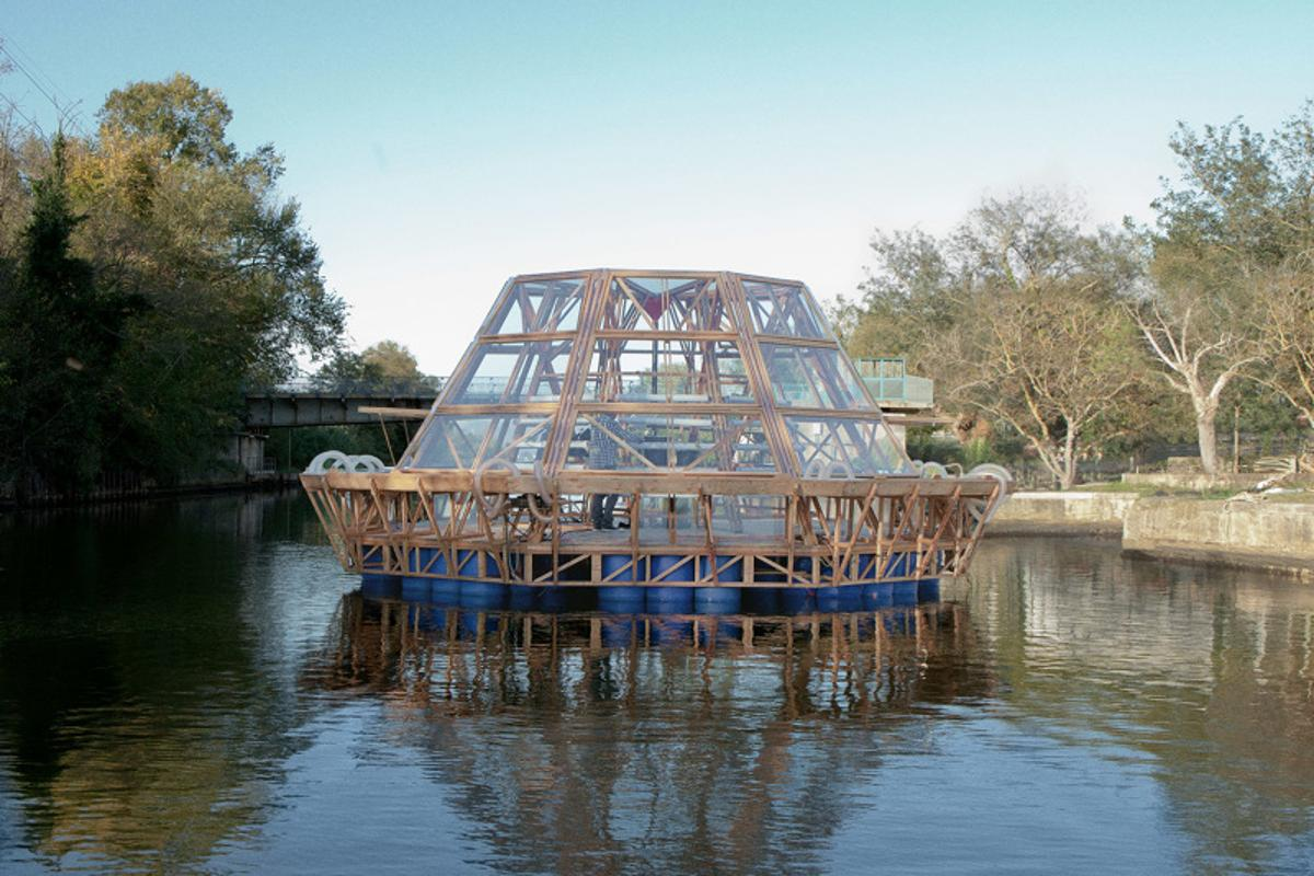 The Jellyfish Barge operates off-grid and produces its own water via an onboard system of solar distillation (Photo: Matteo de Mayda)