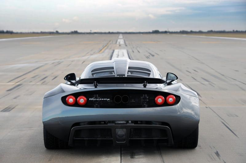 Hennessey set its 0-300 km/h acceleration record in 2013 on a runway at Texas's Ellington Airport