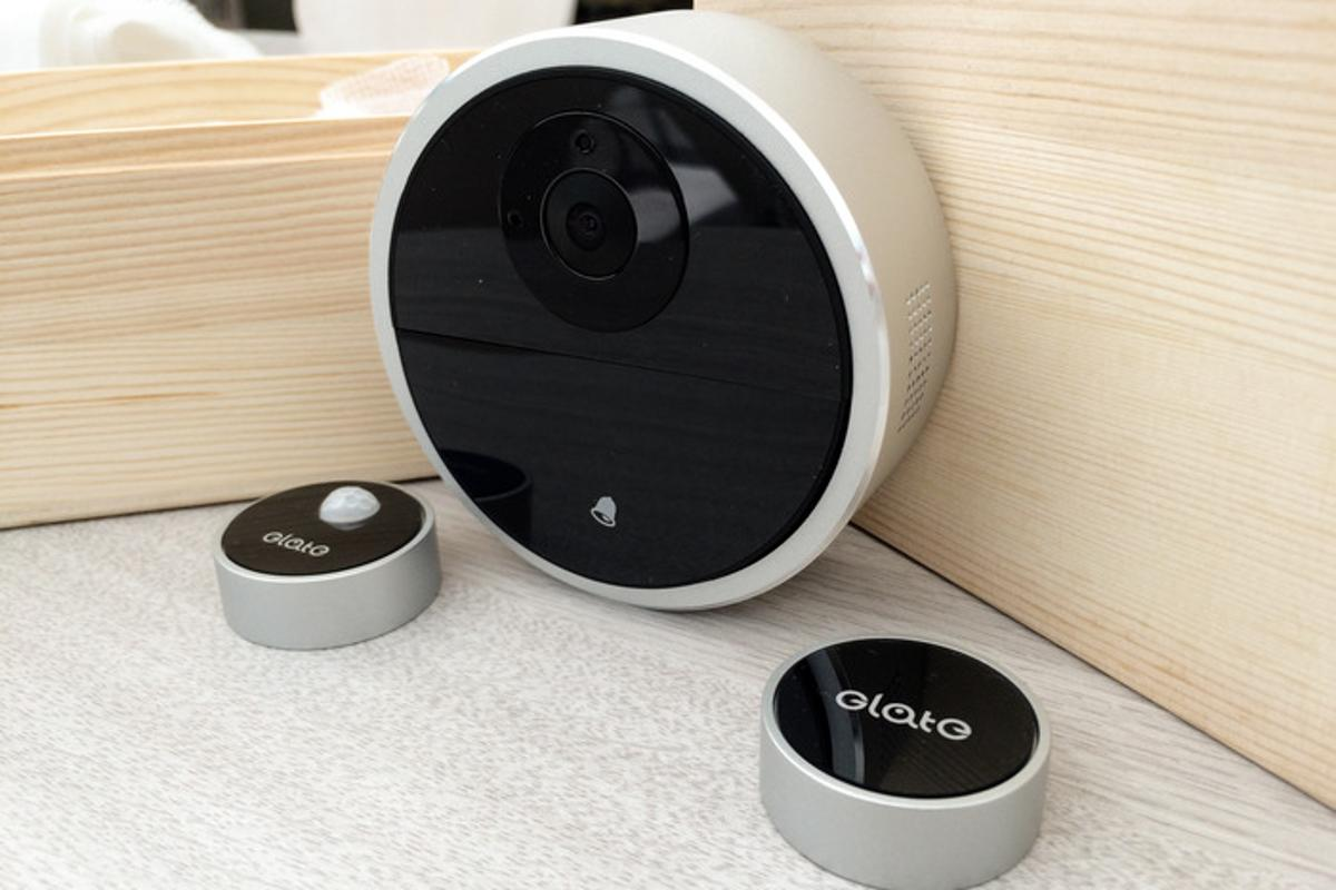 DefenDoor uses a camera and two types of sensors to protect a user's home