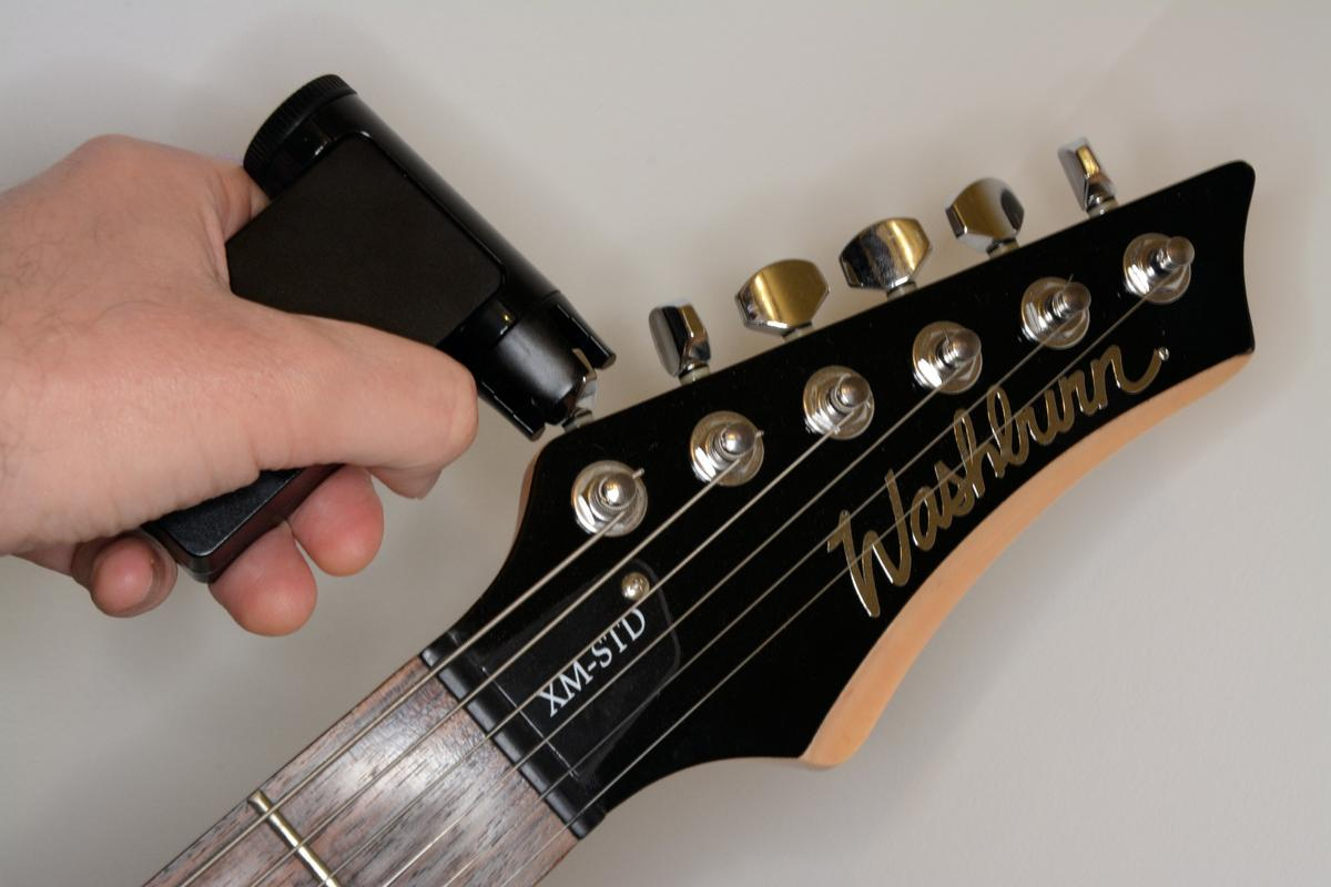 The Roadie 2 motorized tuner can bring a guitar to perfect pitch without needing help from a smartphone running an app