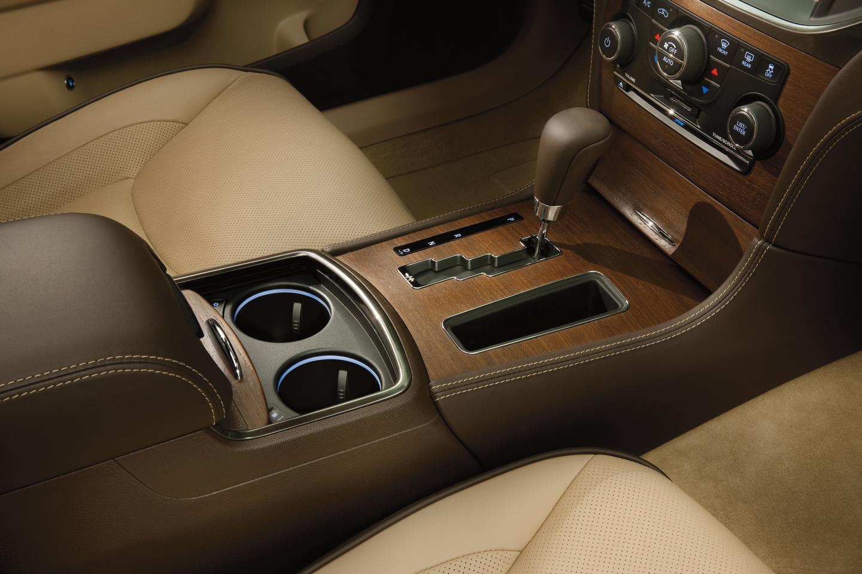 Chrysler 300 Luxury Series sedan interior