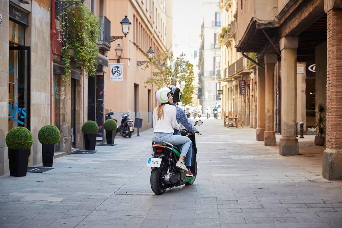 The S01 electric scooter from Spain's Silence has a top speed of 100 km/h and a range per charge of 115 km