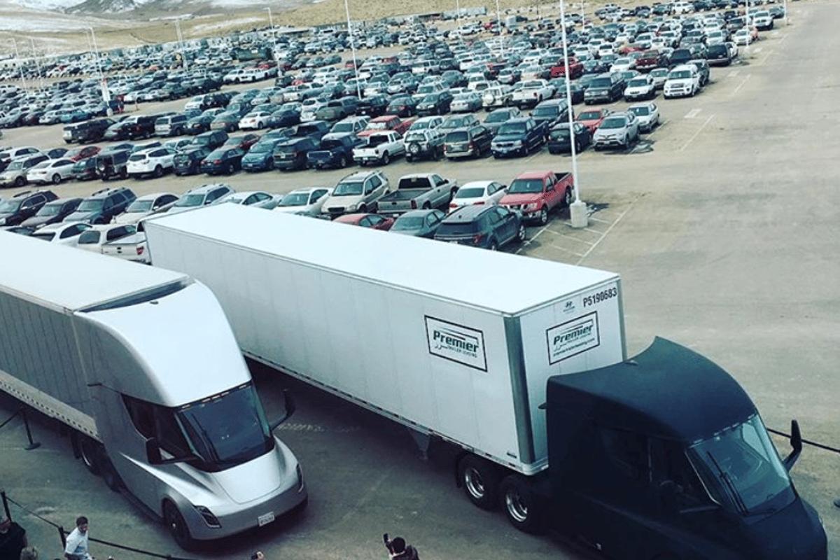 Tesla Semis leave the Tesla Gigafactory in Nevada