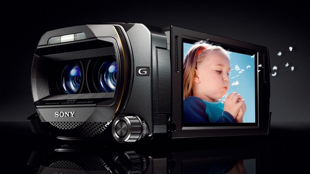 Sony's HDR-TD10E 'Double Full HD' 3D consumer camcorder