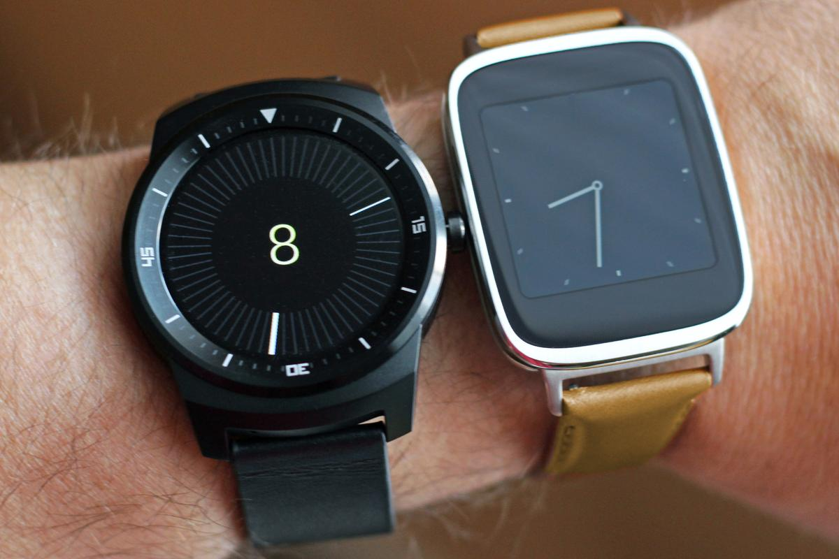 Gizmag takes a hands-on look at the LG G Watch R (left) and Asus ZenWatch (Photo: Will Shanklin/Gizmag.com)
