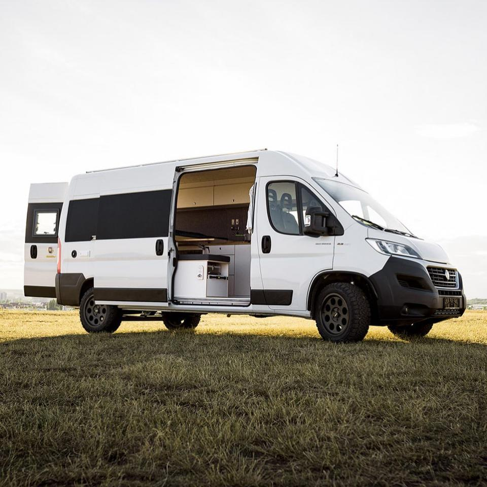 Vanlife calls this slight variation the Sportiv (Sporty) Concept, and it includes additions like the available all-terrain tires and suspension lift