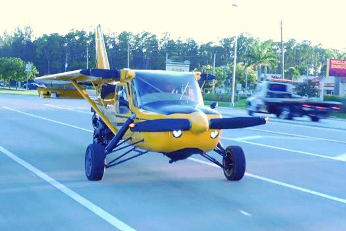 The PD-2 conversion kit allows a Glasair Sportsman GS-2 light aircraft to be flown, or driven on the road as a trike