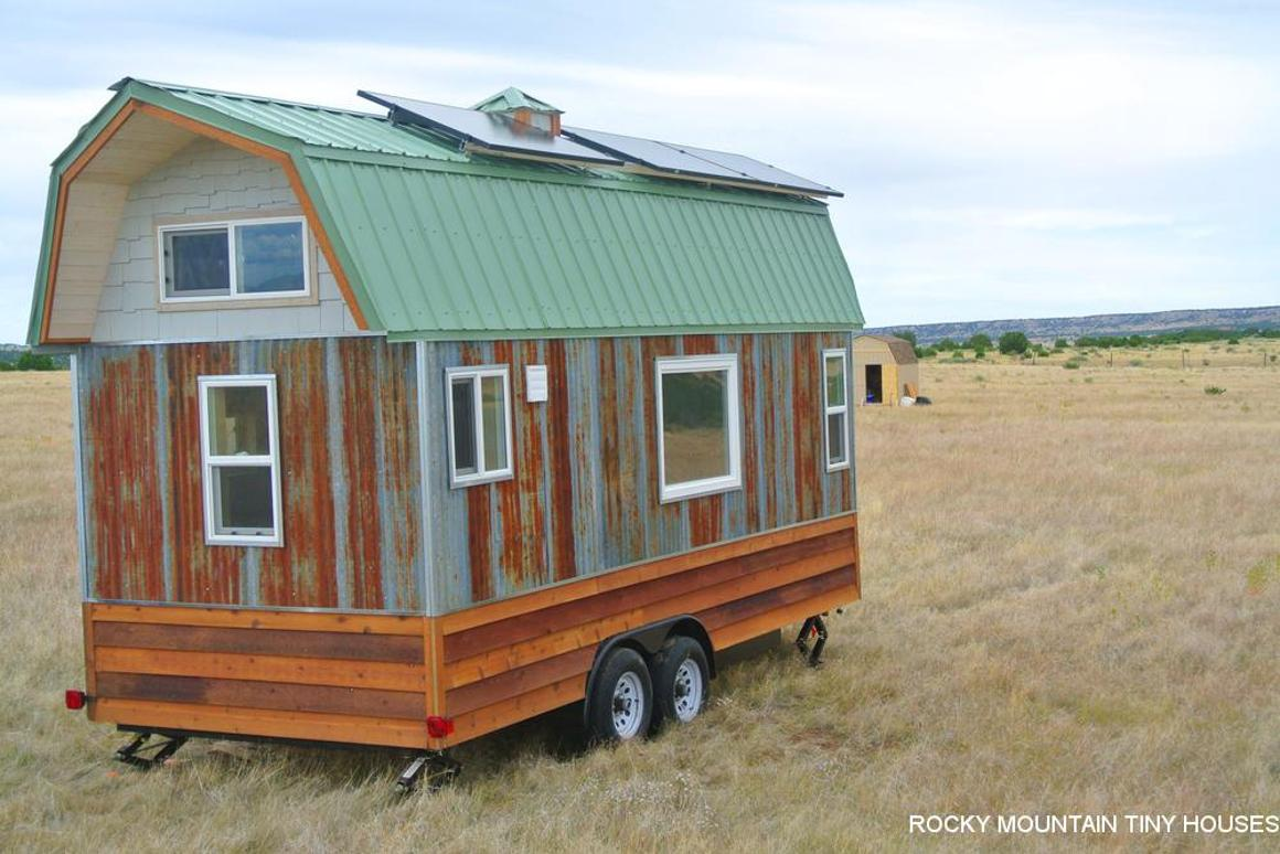 Barn-style tiny house doesn't break the bank