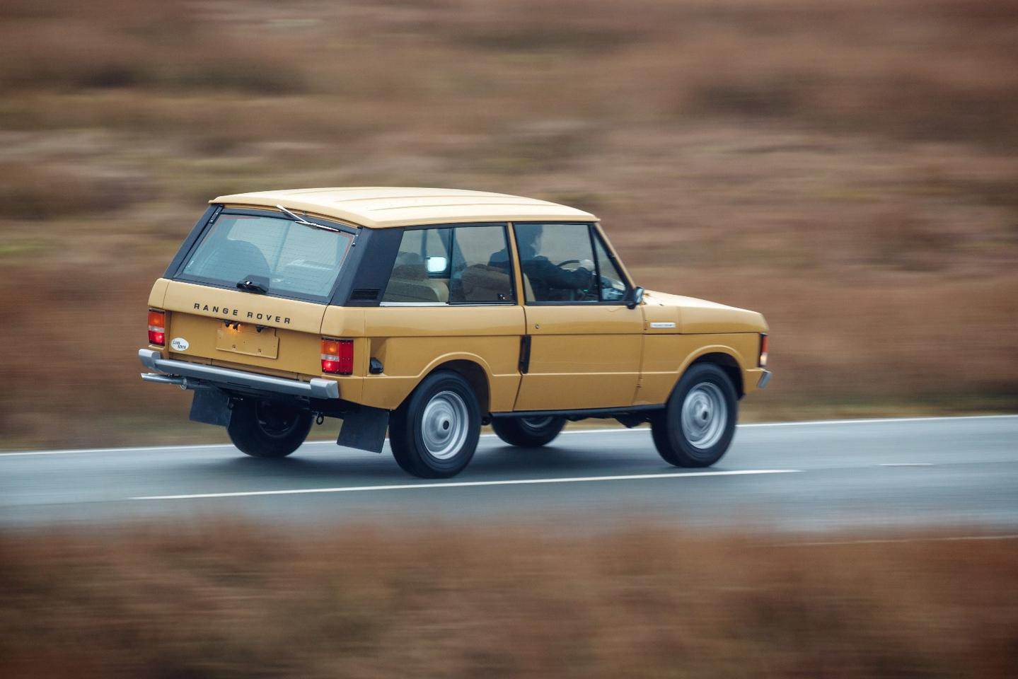 The first Range Rover Reborn is painted in Bahama Gold