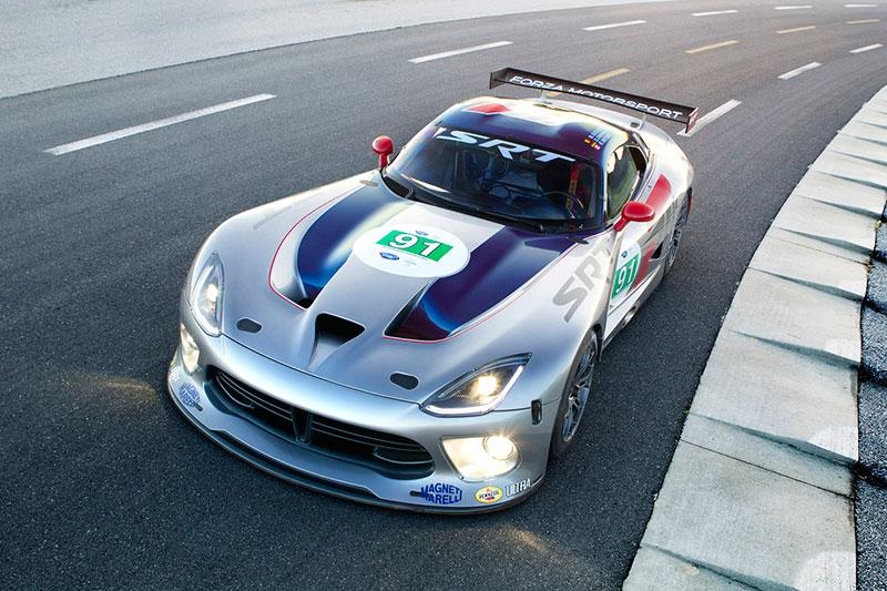 The 2013 SRT Viper GTS in race trim
