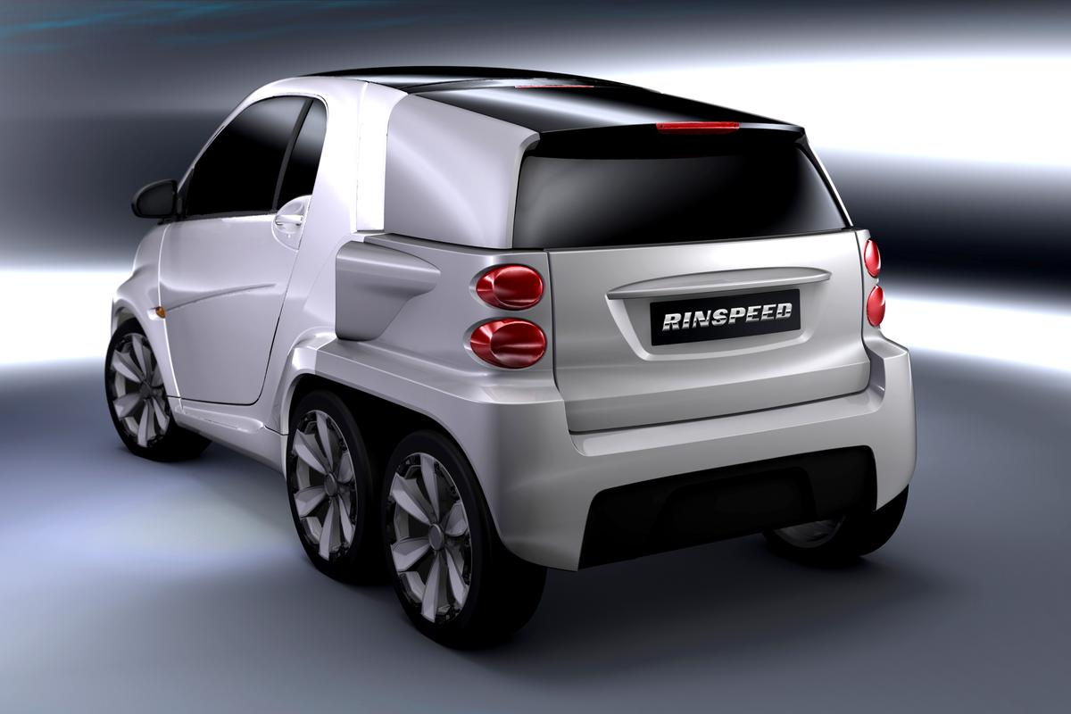 """Rinspeed's modular """"Dock Go"""" concept comprises a vehicular backpack that docks to the rear of an electric vehicle"""