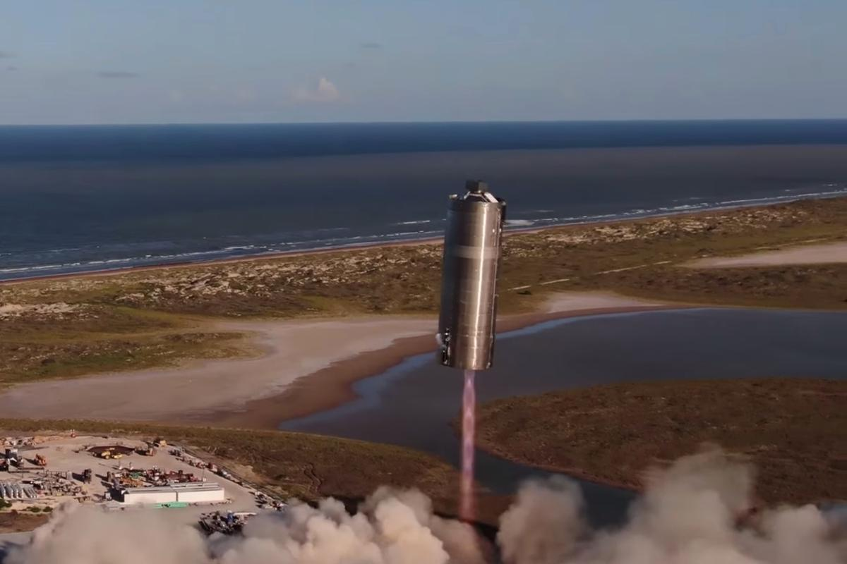 The Starship SN5 to an altitude of 150 meters over SpaceX's Texas test facility