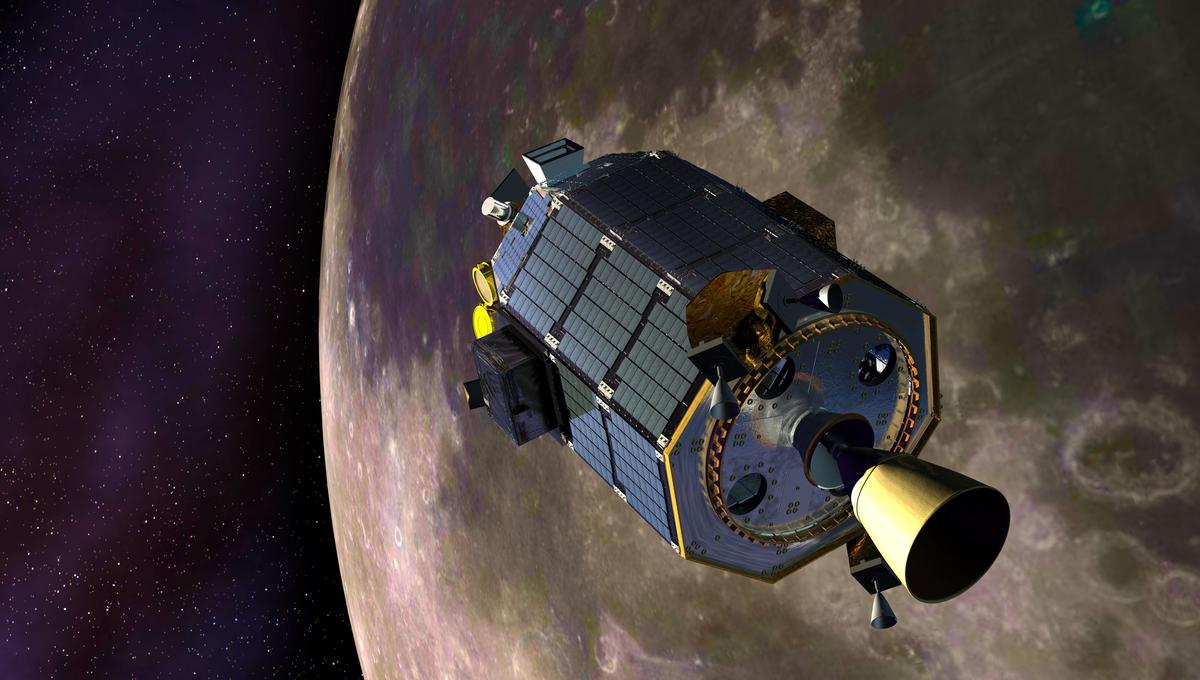 Artist's concept of LADEE entering lunar orbit (Image: NASA)