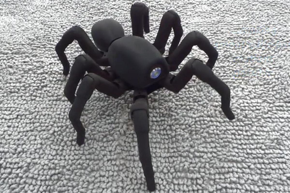 Robugtix's T8 is an 8-legged robot that will scare the bejeezus out of unsuspecting victims
