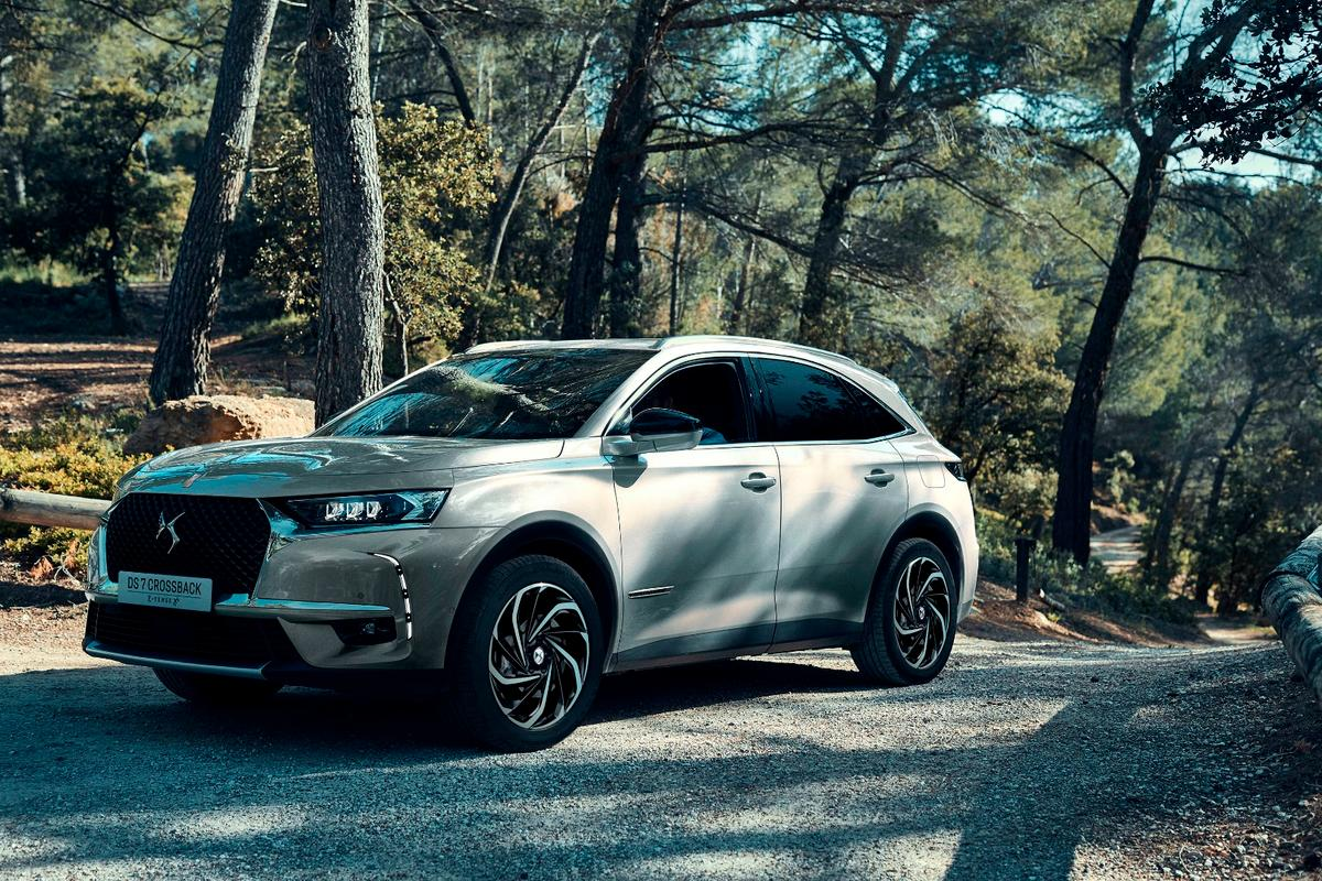 Custom wheels and a quieter powertrain will set the DS 7 Crossback E-Tense apart from others in the field