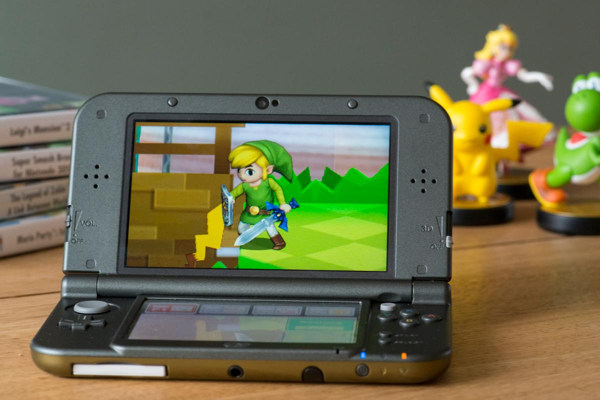 Gizmag spends a bit of time with the New Nintendo 3DS XL (Photo: Simon Crisp/Gizmag.com)